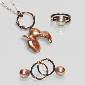 Smykkesæt m/rosa guld og perler