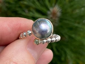 Ring m/Tahitiperle & Grøn diamant