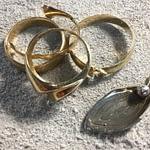 Vielsesringe med familiens smykker